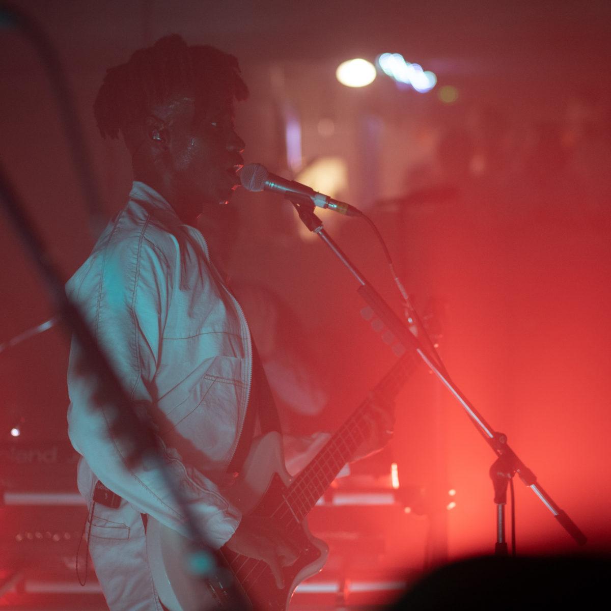 Jeudi dernier on avait pris rendez vous avec Metronomy pour sa release party. Comme toujours, le groupe nous a surpris et nous a offert l'un de ses meilleurs concert.